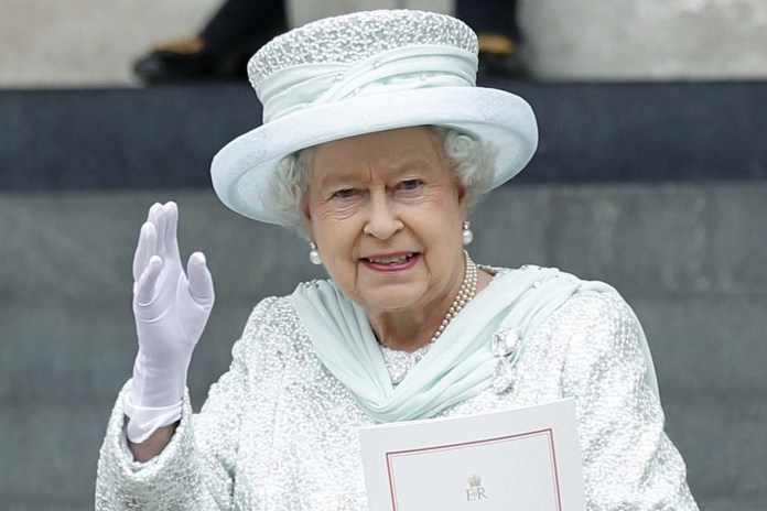 Why Does Not The Queen Of Britain Have A Passport?