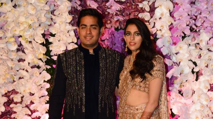 B town Celebrities attend Shloka Mehta, Akash Ambani's wedding reception