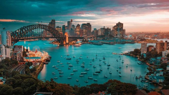 Covid19 - Restrictions in Sydney tighten as officials trace a case of Indian variant