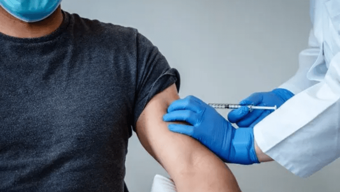 Saudi Arabia to slap penalties on firms allowing non-vaccinated people
