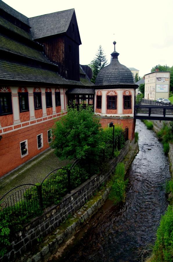 Uzdrowiska - Duszniki Zdrój - Muzeum Papiernictwa - nad rzeczką