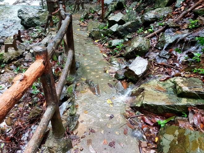 Temurun waterfall trail