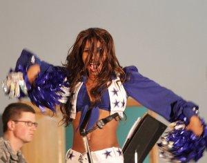 cheerleader-654385_1920