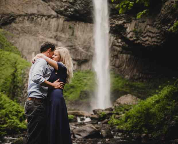 Columbia River Gorge Engagement Photography