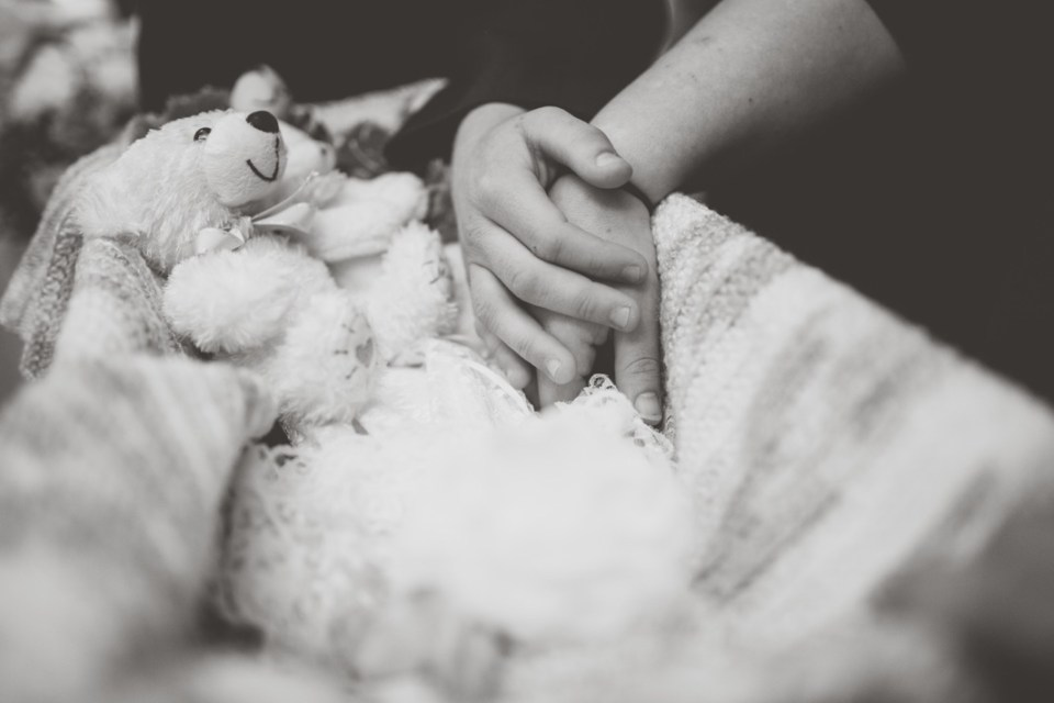 Blog-Kylee-Ann-Photography-Infant-Funeral29