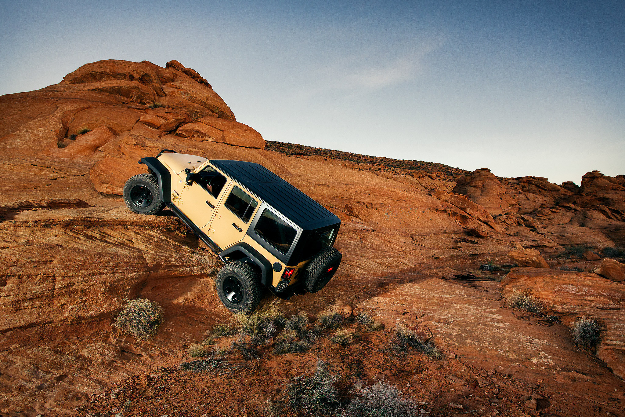 jeep crawling red rocks southern utah