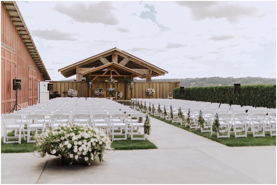 thomas family farm seattle snohomish wedding ceremony