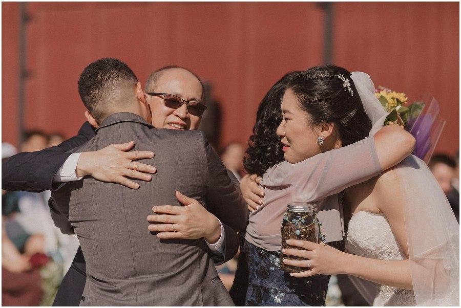 thomas family farm seattle snohomish wedding ceremony