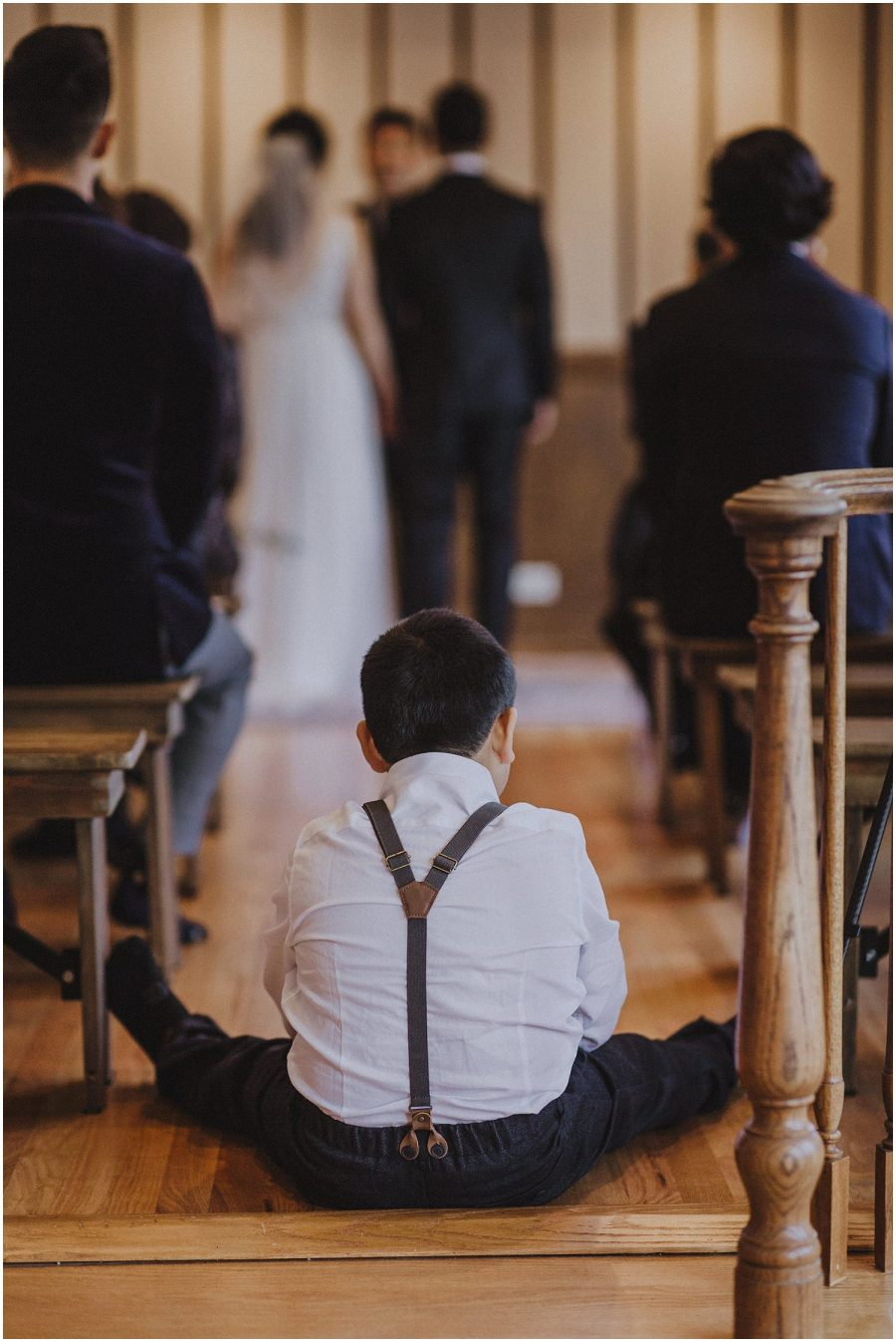 young child watching a wedding ceremony Chicago wedding photographer kyle szeto