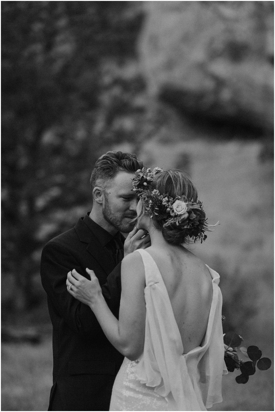 groom going for kiss at smith rock elopement oregon elopement and wedding photographer kyle szeto