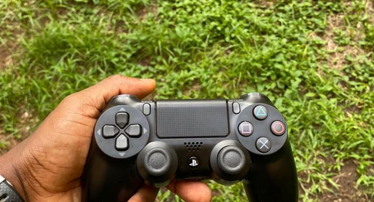 PS4 Game Console with controller