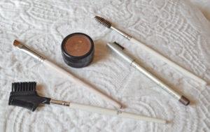 Eyebrows: Pencil vs. Powder