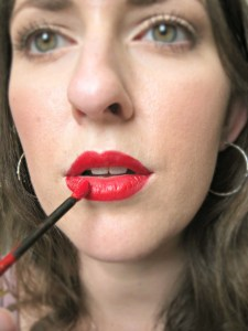 LipSense - is it worth the hype? A full review from a someone that does not sell it! For this post, I am reviewing Blu-Red Liquid Lip Color and Glossy Moisturizing Gloss.