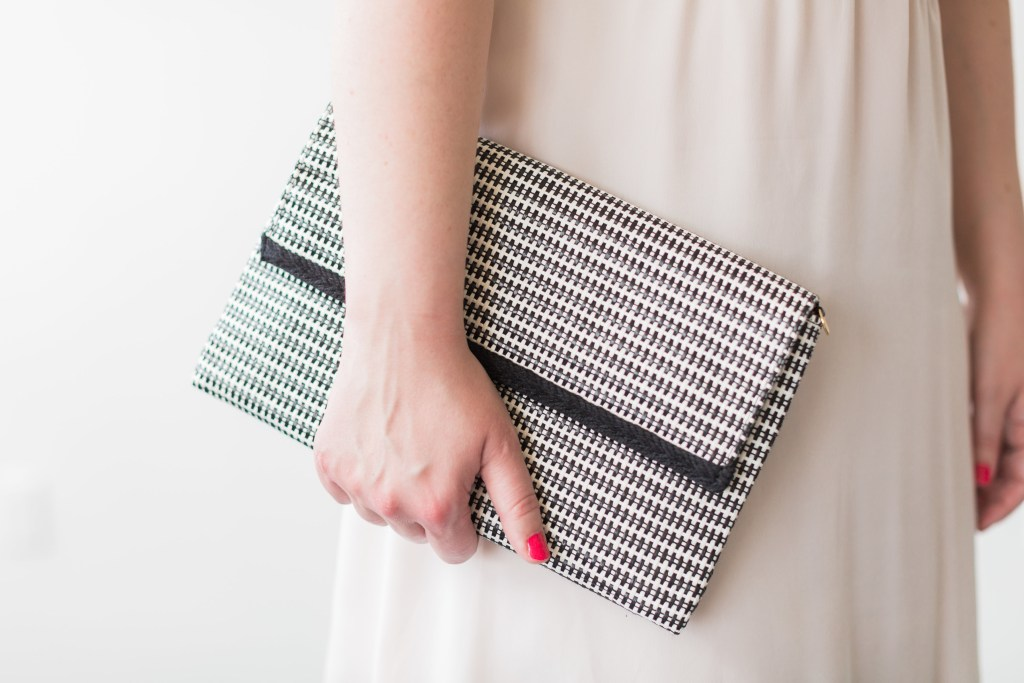 Stella & Dot offers unique and stylish pieces of jewelry and accessories for every woman on your gift-giving list. Perfect for bridesmaids gifts, their options range from minimalist and sleek to bold and flashy. Featured here is the Stella & Dot City Slim Clutch in Crosshatch Raffia. It's the perfect bag for evenings and your bridemaids could even use it at the reception!