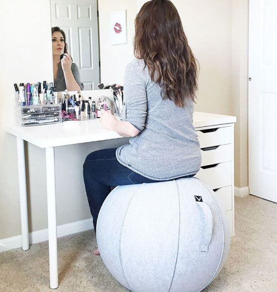 10 gift ideas for every woman on your list - impress her with these unique gift ideas this Christmas! Any fitness fanatic would love being gifted a Vivora Luno excercise ball chair!