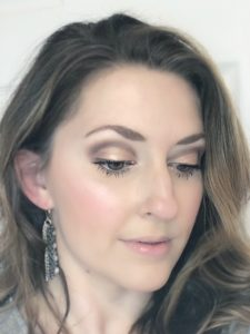 Soft Glam Makeup Look: Create a soft glam date night makeup look using only drugstore makeup products! The look takes natural up a notch but is not overkill! BeYu Cosmetics is the focus here in neutral colors on the lids, a soft coral cheek, a nude lip and a pretty highlight!