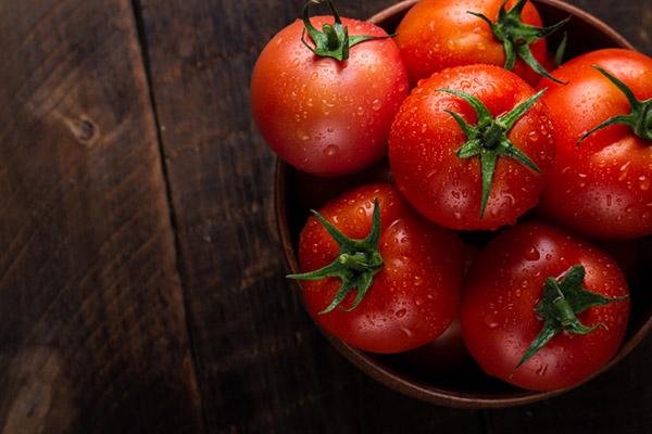 Dưỡng da tay bằng cà chua