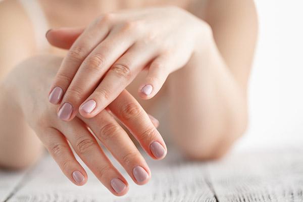 10 cách làm trắng da tay mà bạn có thể thử ngay tại nhà