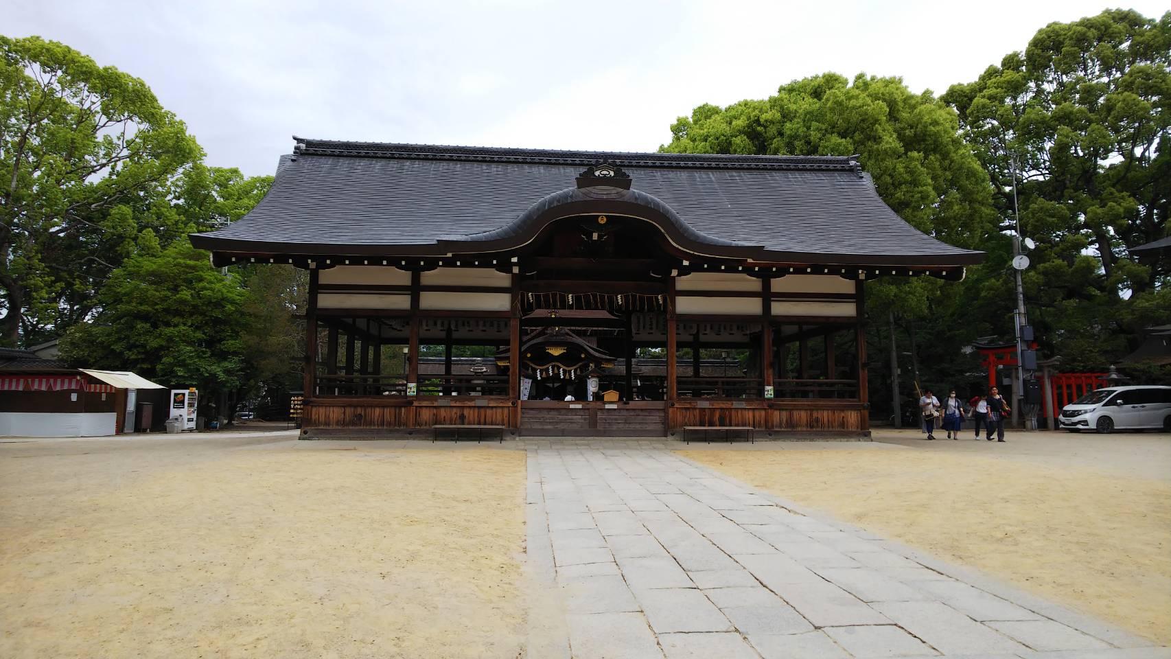 藤森神社 本殿を拝殿から見る