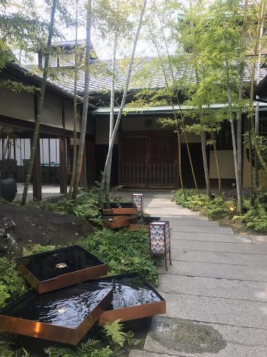 【大正時代に贅を尽くして建てられた歴史的な邸宅&緑の庭園をもつ京都東山フレンチレストラン】AKAGANE RESORT KYOTO HIGASHIYAMA