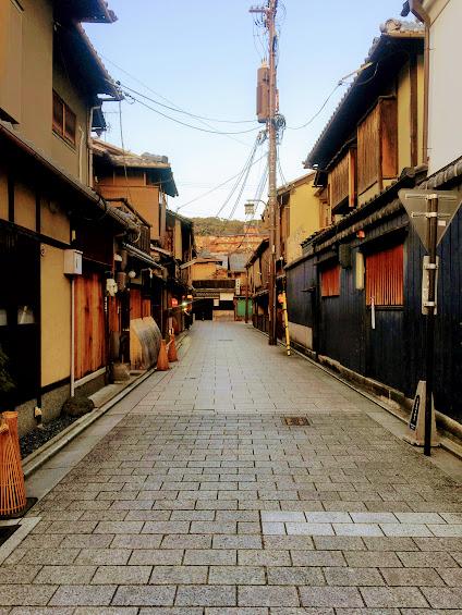 【京都花見小路にある居酒屋さん】ぎをん まんざら