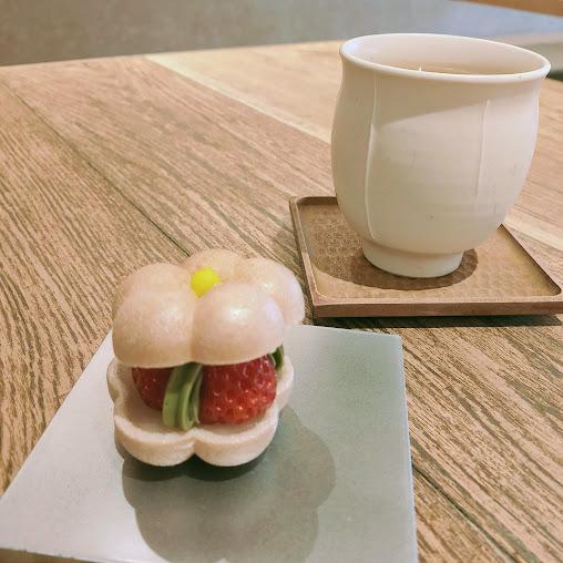 【京都駅ビルにある最中が可愛い日本茶店『茶寮FUKUCHA』】