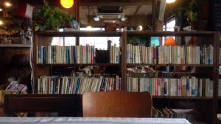 「カフェ コチ (CAFE KOCSI)」1