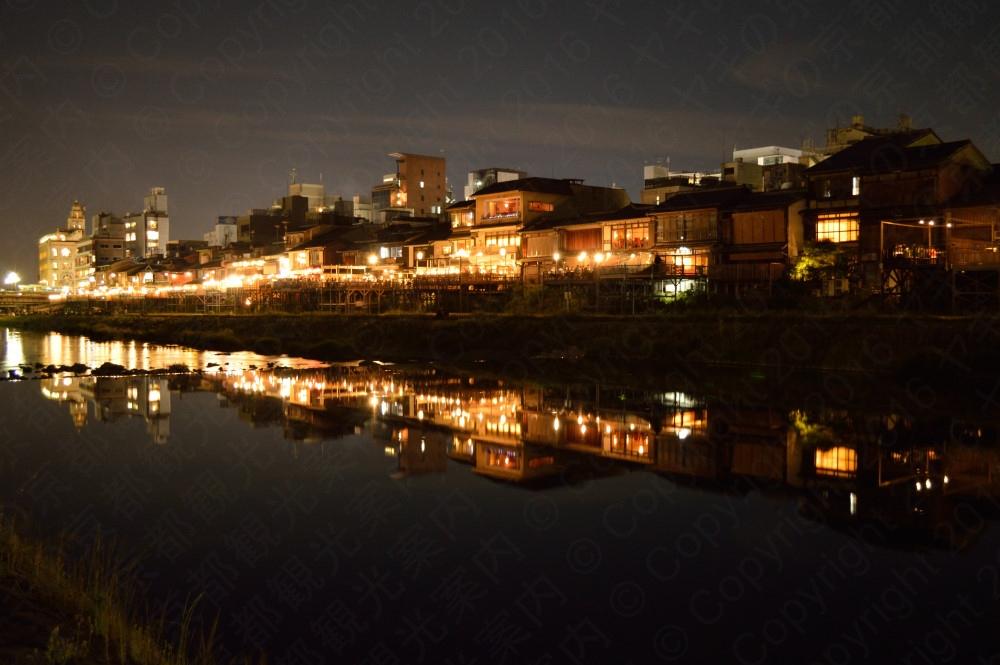 賀茂川の夜景