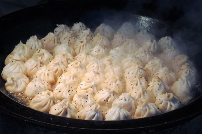 京都さくらよさこい「ご当地グルメフェスタ」焼き小籠包