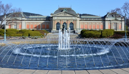 🎨 京都国立博物館*庭園の彫刻*ロダン「考える人」