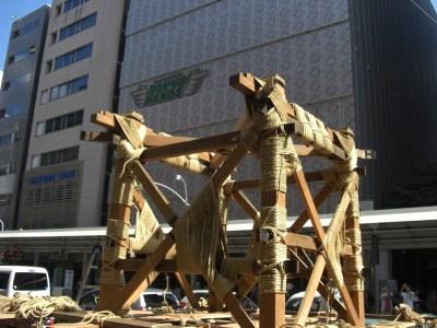 祇園祭前祭山建て・鉾建て