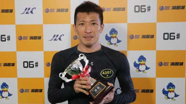 岡祐臣選手のTOP画像です。