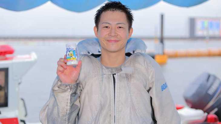 秋元哲選手のTOP画像です。