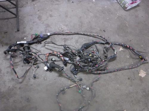 small resolution of details about 2002 2003 ford f350 xlt 4x4 ext cab auto diesel cab wiring harness 2c3t14a005 mp