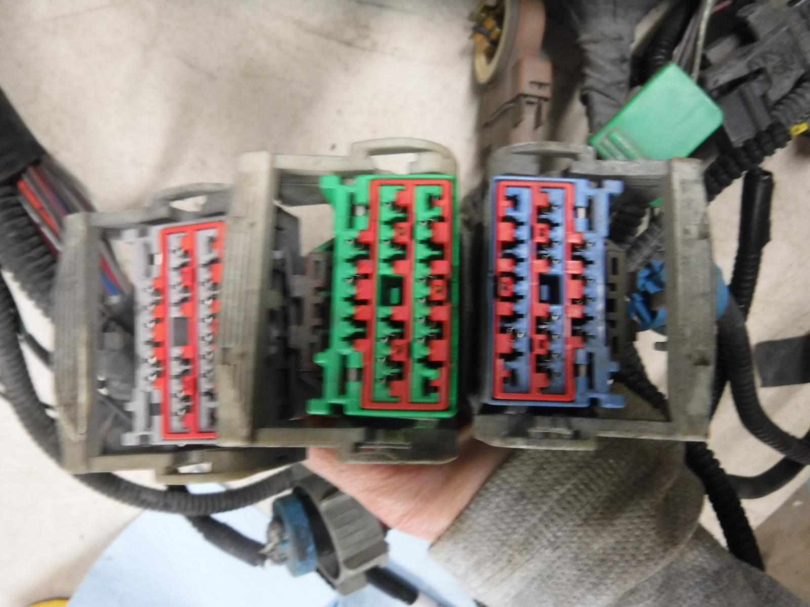 hight resolution of 2004 dodge 1500 5 7 hemi 4x4 engine comp wiring harness p5600099 3af oem