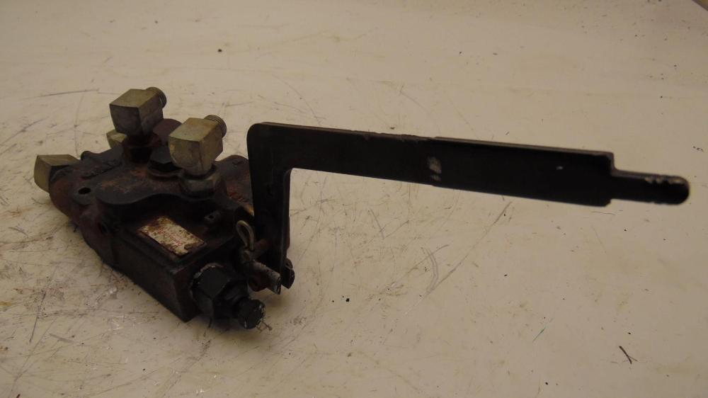 medium resolution of details about john deere 320 lawn tractor hydraulic lift pressure relief valve am117342