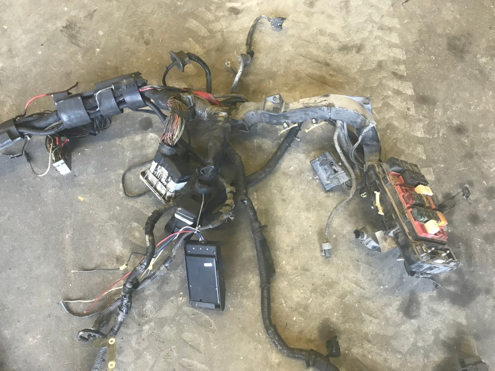 medium resolution of parting out lots of 1999 2010 ford f350 s if you have any questions regarding this listing or any other parts requests please contact me through ebay