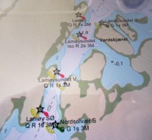 Kartplotteren viser Lamøysundet