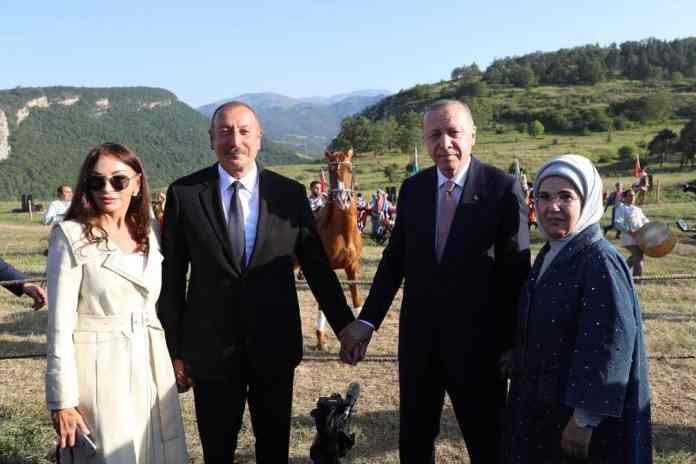 rosia-tourkiki-vasi-azerbaitzan