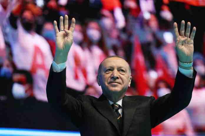 o-erdogan-thelei-na-allaxei-tin-geografia-tis-mesogeiou