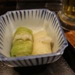 お通し(小菜)的椰菜卷。內裡應該是豬肉。