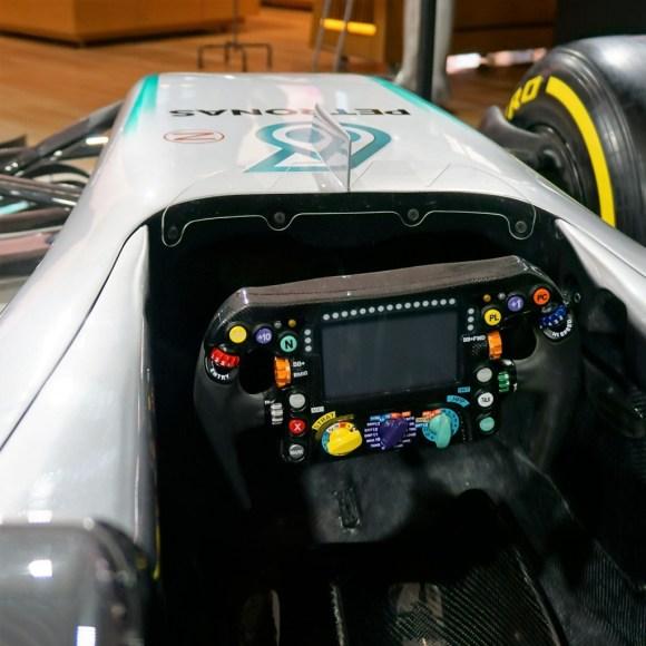 メルセデス・ベンツ コネクション F1カー コックピット
