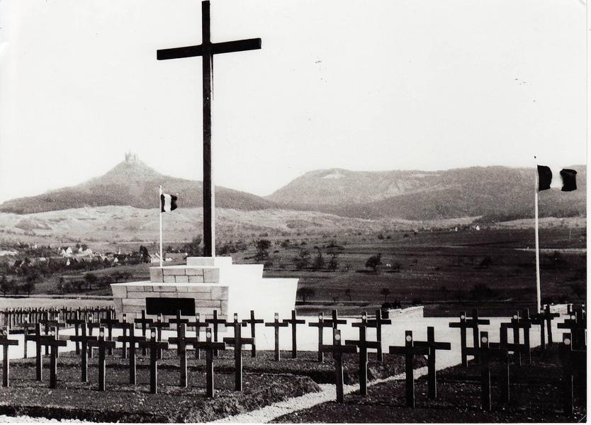 BISINGEN - KZ- Friedhof Bisingen / Gedenksteine und Gedenktafel (1/6)