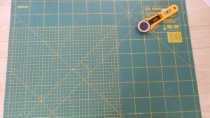 Tapis de découpe et cutter rotatif