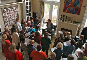 Les répétitions ont lieu chaque semaine à l'école Étienne-Brûlé et une fois par mois dans la résidence de l'une des choristes.