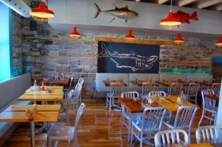9 Diannes Fish Shack Kingston interieur.jpeg