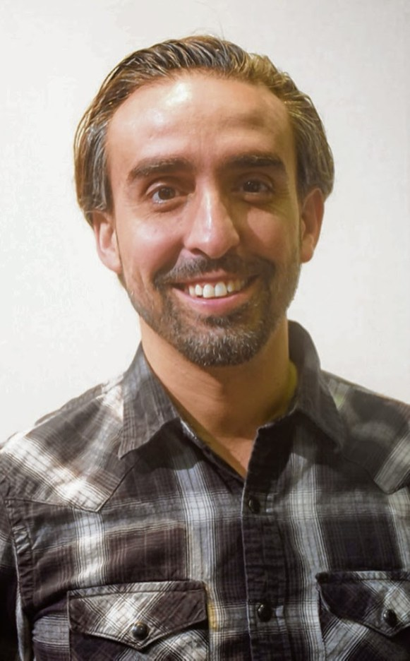 Dino Gonçalves, directeur du théâtre Novo_CMYK.jpg