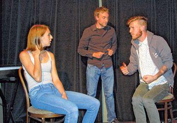 Audrey Ferron, Florian François et Chad Vincent ont improvisé des rôles.