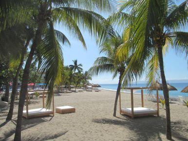 Mer, plage et cocotiers au Royal Decameron Indigo.JPG