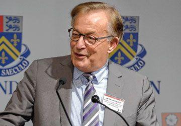 Jean-Louis Roy à Glendon lors de la conférence inaugurale du 50e anniversaire du campus bilingue de l'Université York.
